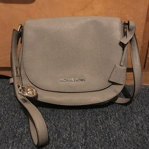 Michael Kors Medium Crossbody in Gray